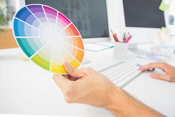 ffe7ab5bbba8eb Jedną z kluczowych kwestii jest łączenie ze sobą jedynie kolorów  znajdujących się na tym samym poziomie koła barw. Jeśli więc pierwszy kolor  będzie ...